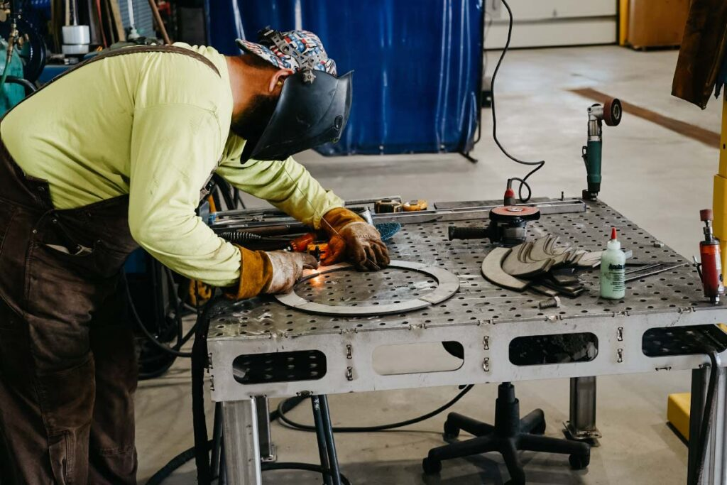 Staab worker welding